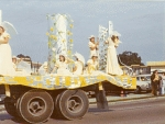 Lionettes.....what a beautiful float;)